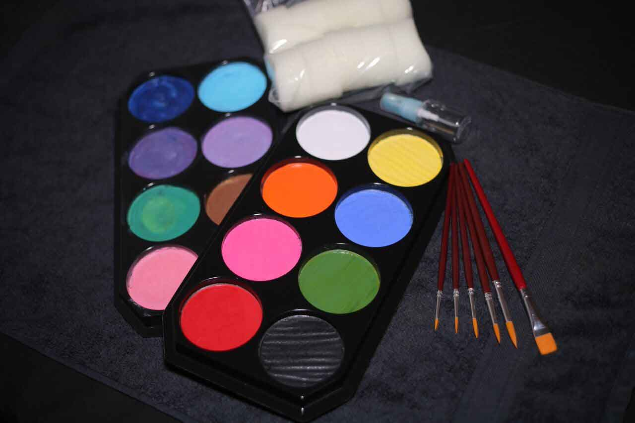 Learn to Face Paint Pro Kit
